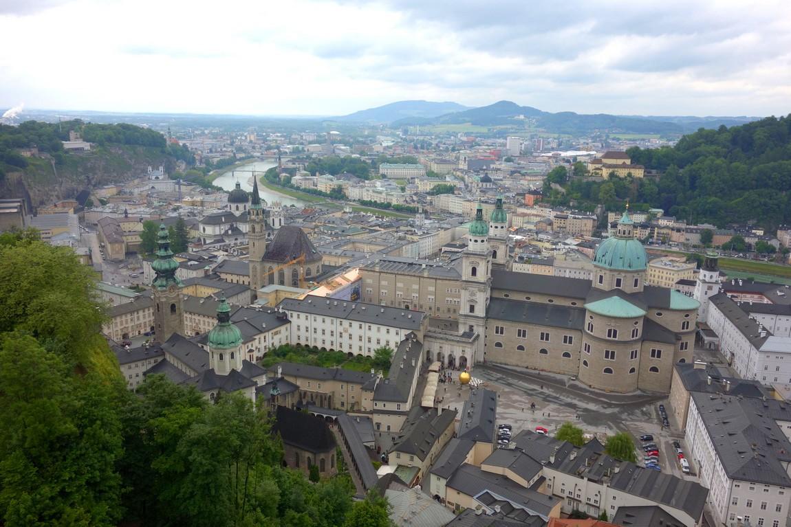 Вид на Зальцбург из крепости Хоэнзальцбург