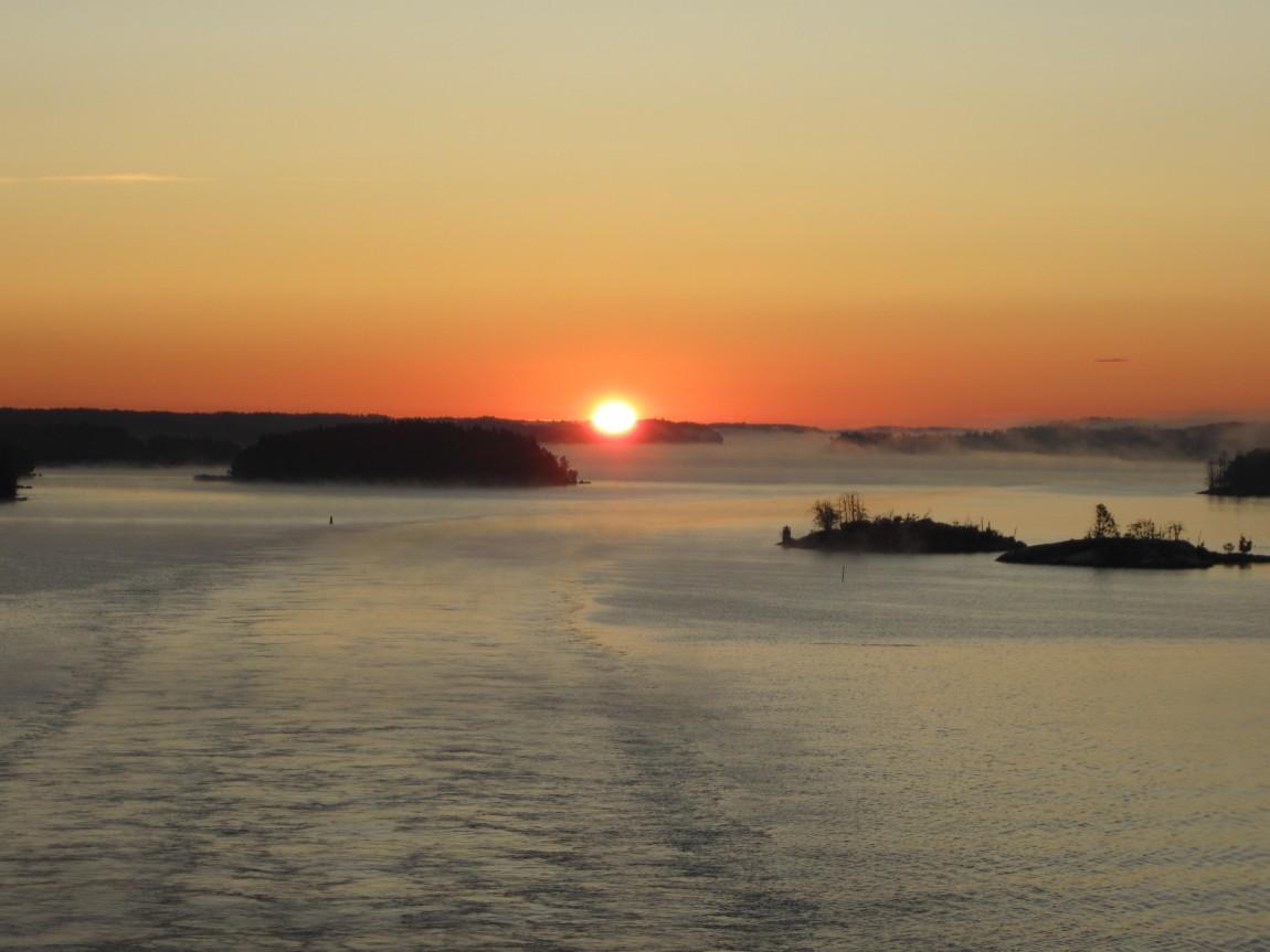 Восход на море (Норвегия)