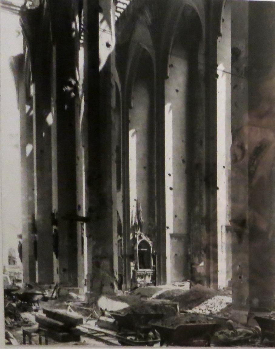 Собор Фрауенкирхе в Мюнхене (Германия) в 1945 г