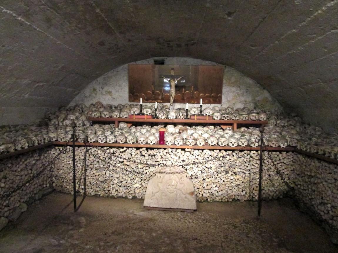 Хранилище (костница) в Хальштатте Австрии