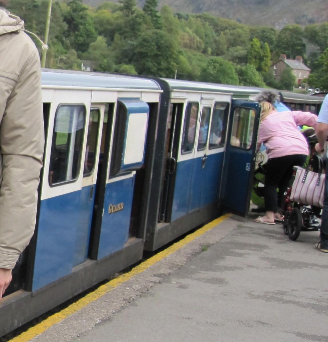 Крошечный поезд Англия
