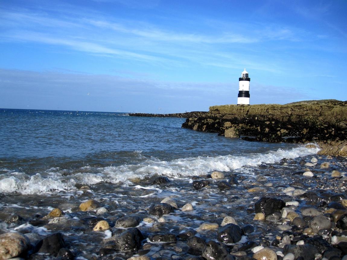Атлантический океан. Уэльс - маяк