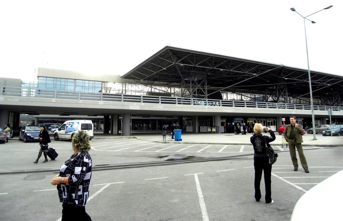 Табло аэропорта родос