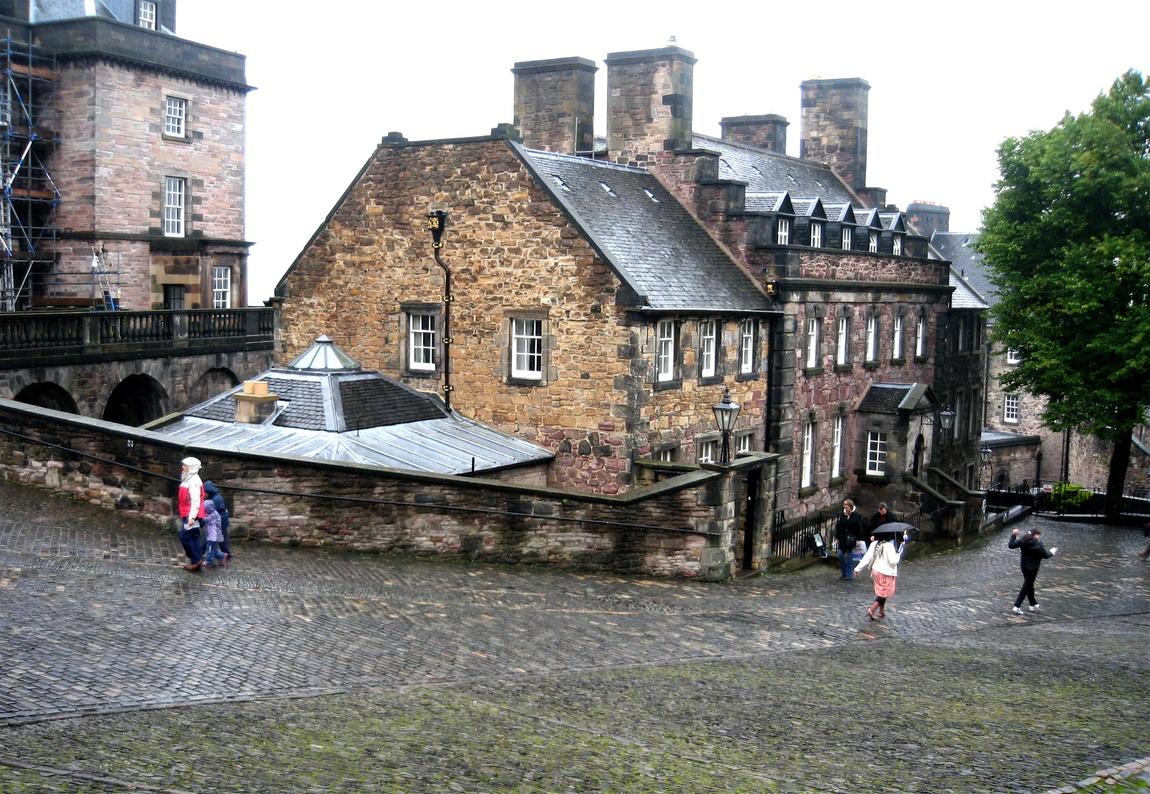 На территории замка в Эдинбурге