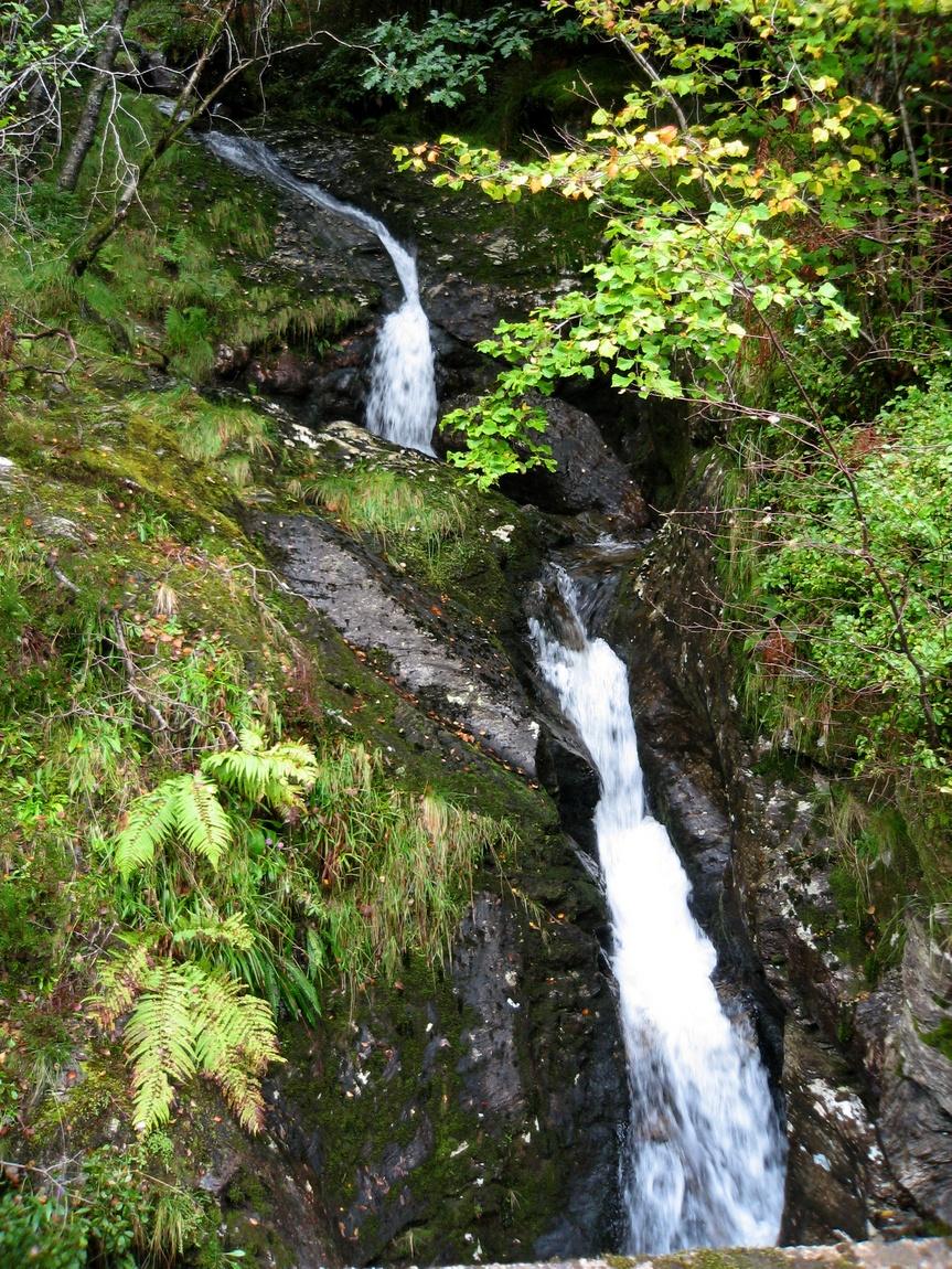 Водопад в Шотландии