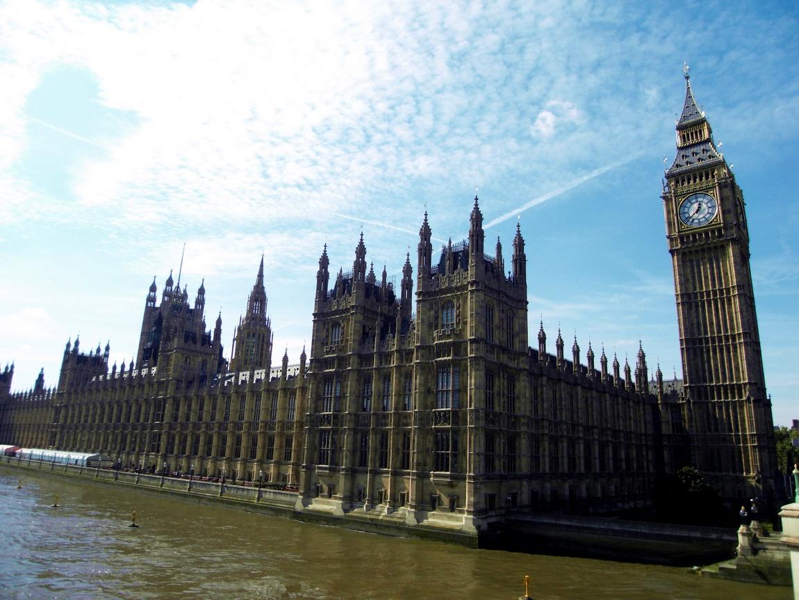 ЧАсы Би-Бен в Лондоне
