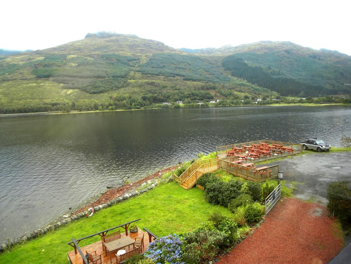 Озеро Лох-Лонг в Шотландии, в переводе означает длинное.