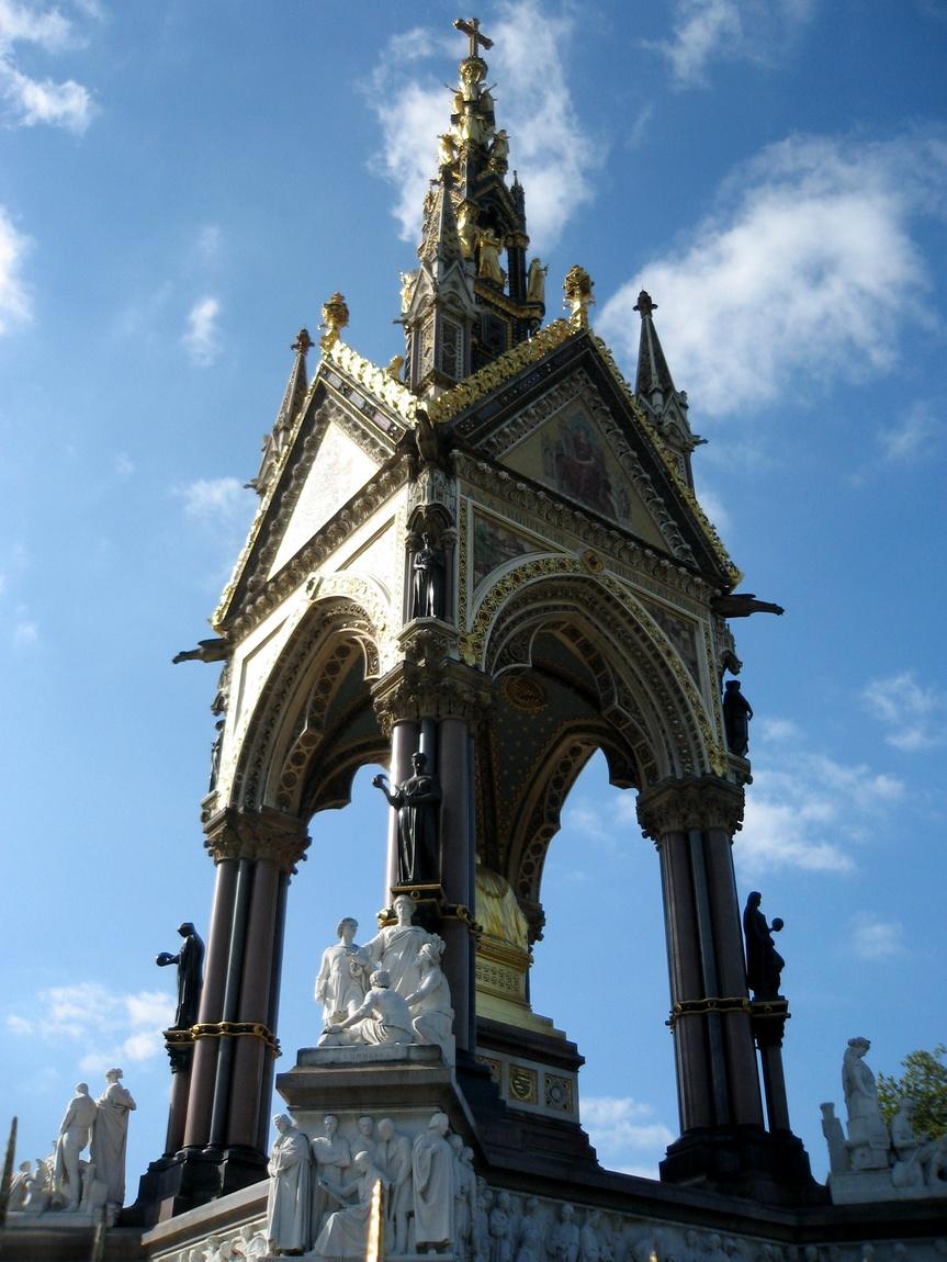 Памятник королевы Виктории своему мужу