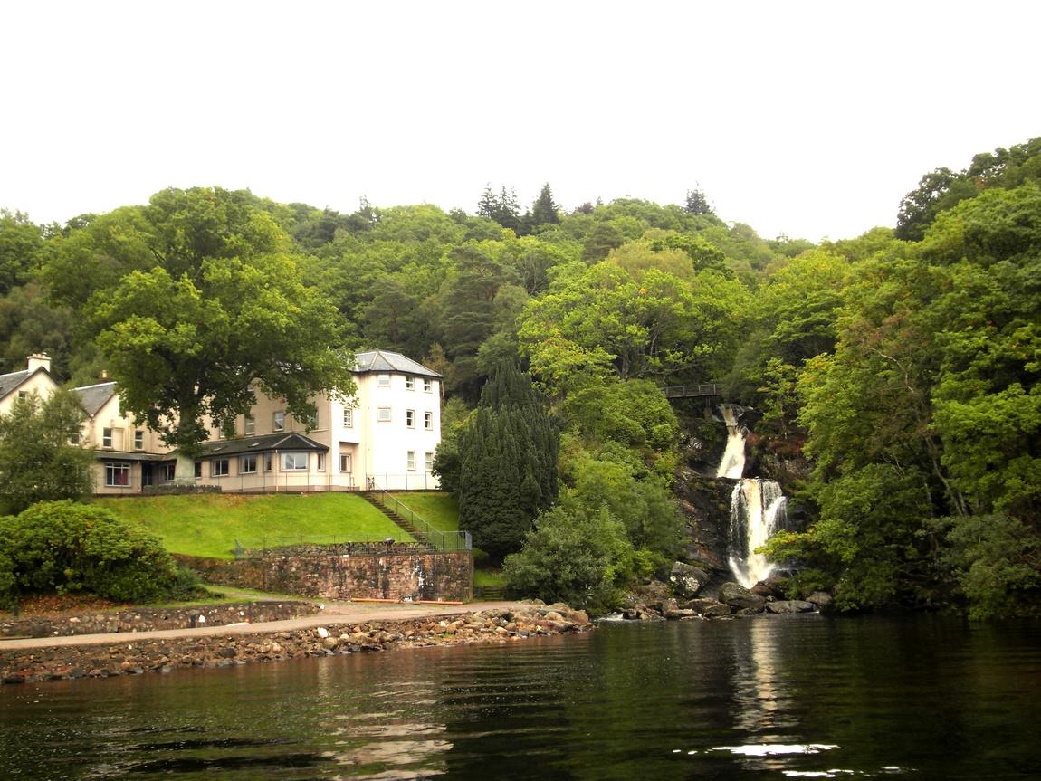 Озеро Лох-Ломонд в Шотландии