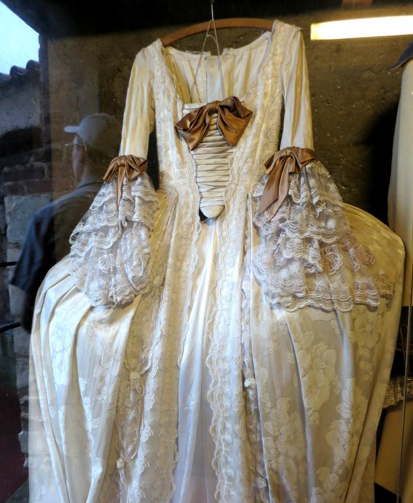 Одежда в музее Пражского града (Чехия)