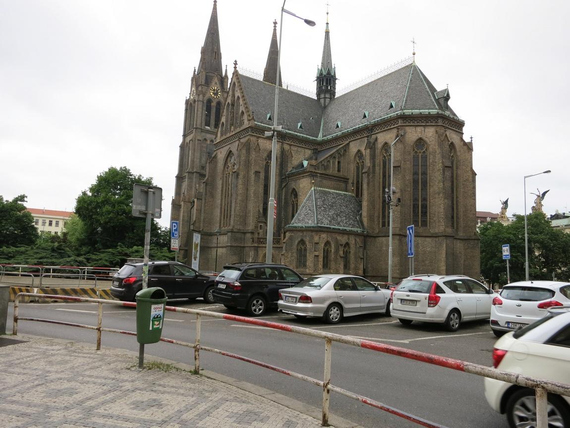 Собор Людмилвы в Праге