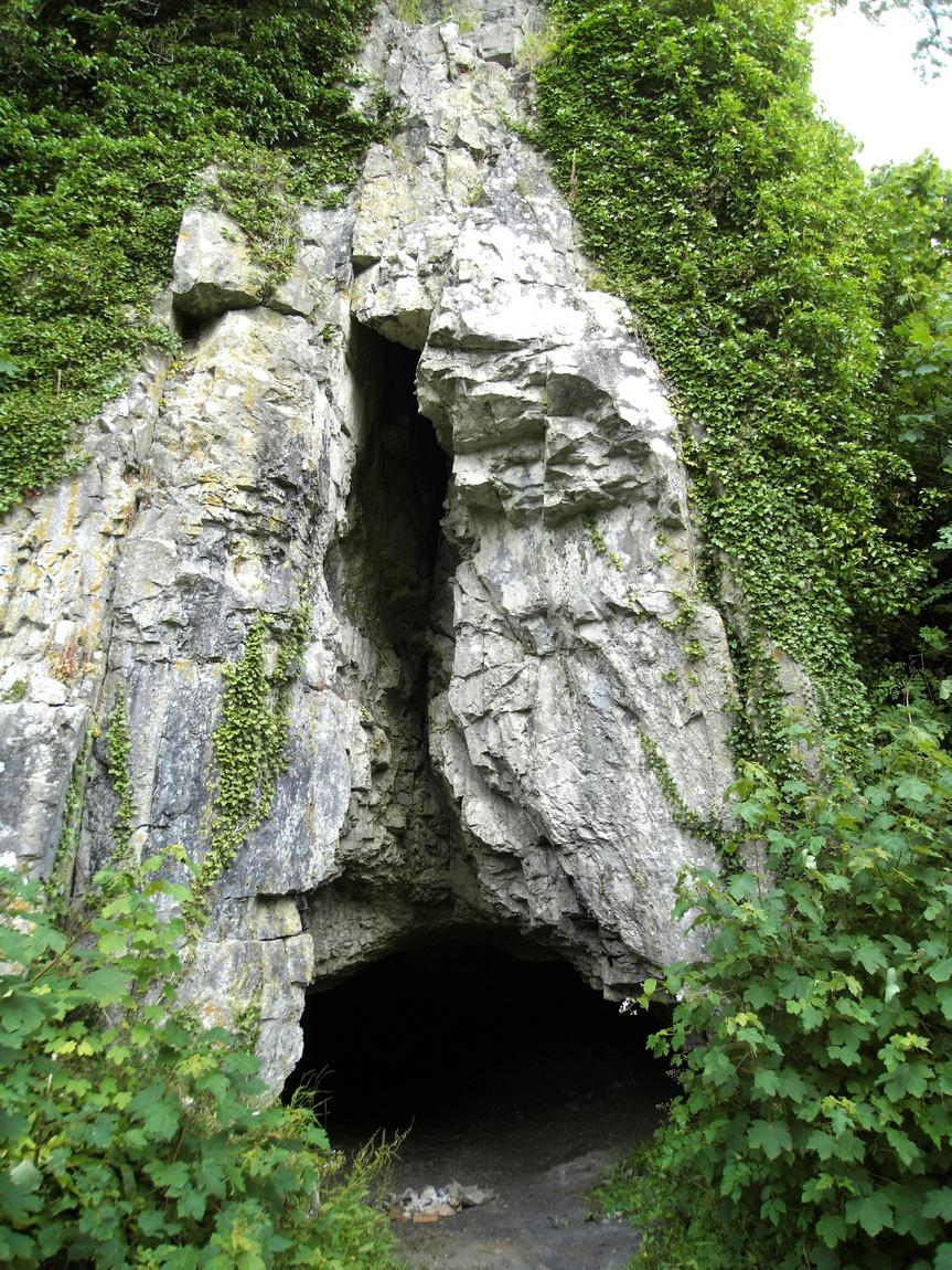 Пещера древнего человека, рядом с Суонси