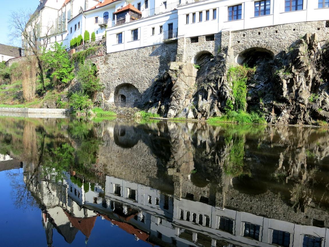 Чешский Крумлов. Отражение на воде