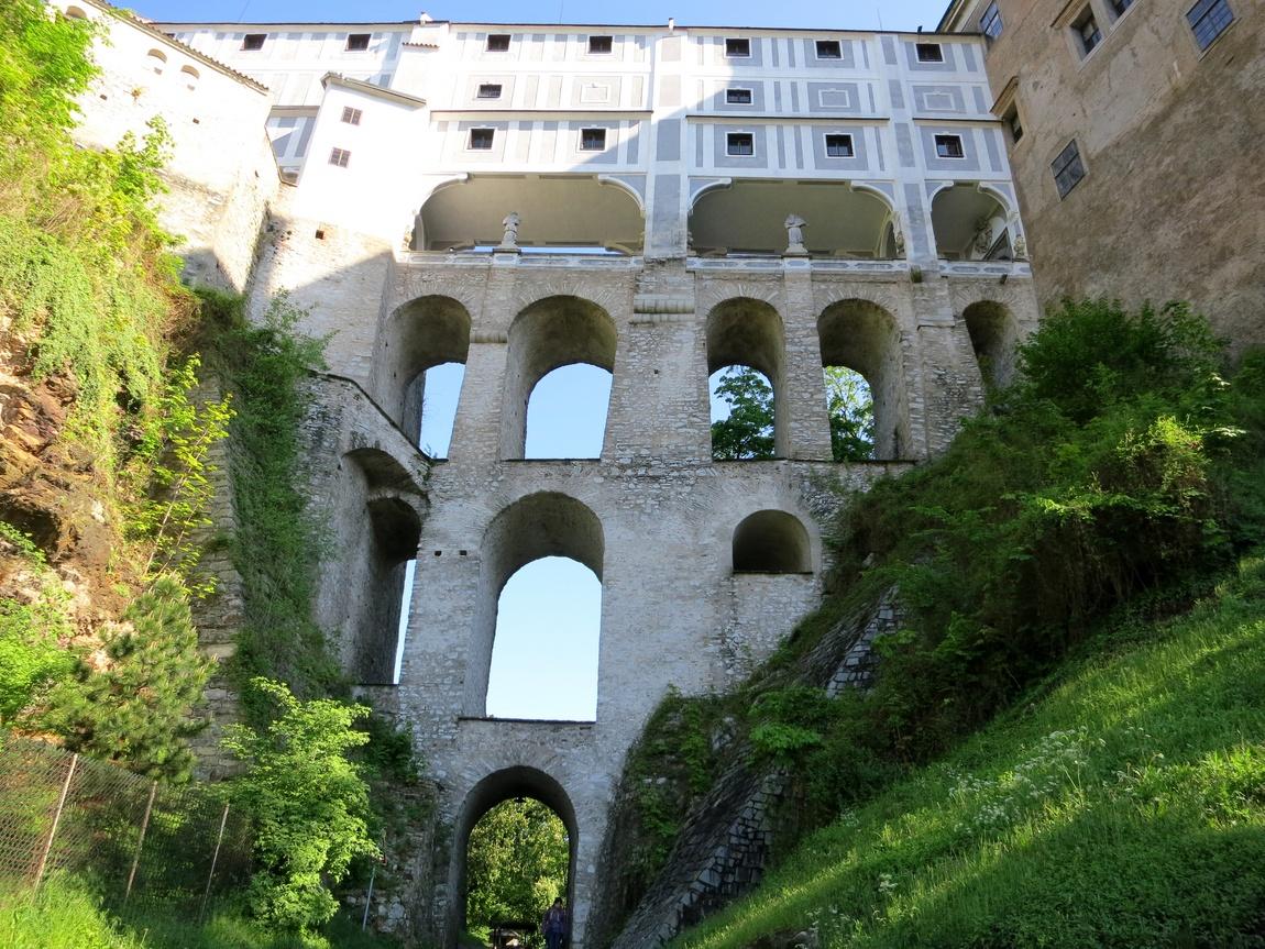 Плащевой мост в Крумловском замке
