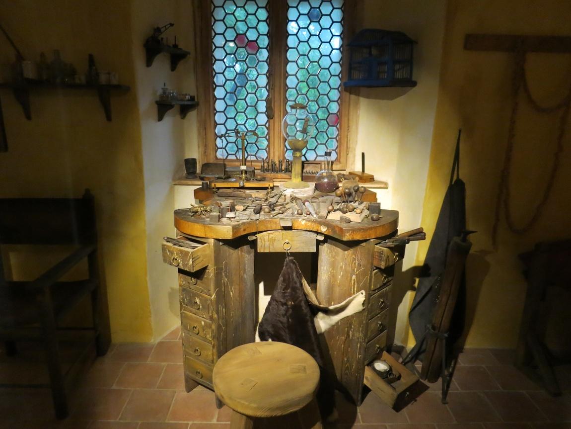 Экспозиции Златых улочек Пражского Града
