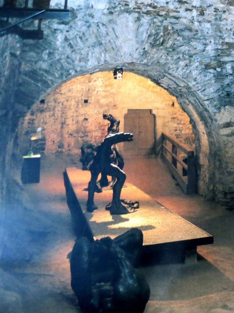 Выставка уродов в Крумловском замке (Чехия)