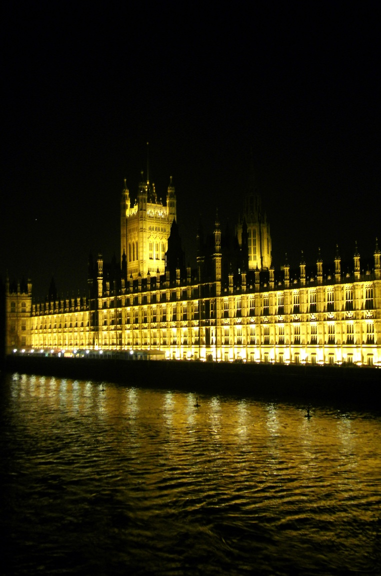 Парламент ночью. Лондон