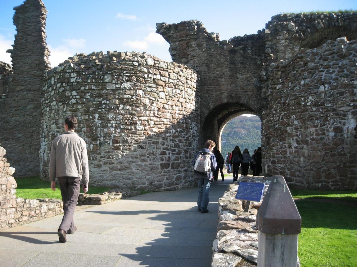 Вход в замок Уарк-Харт (Шотландия)
