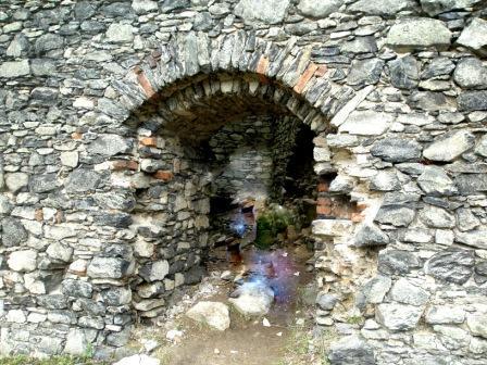 Руины замка на Ангельской горе, Чехия, возможно привидения!