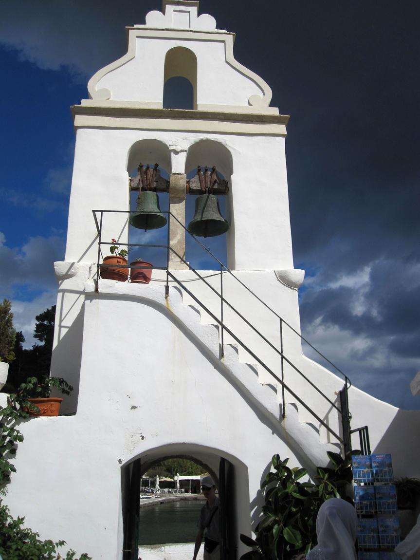 Монастырь Богородицы Влахерны на мышином острове.