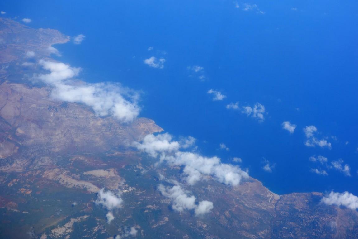 Континент и море