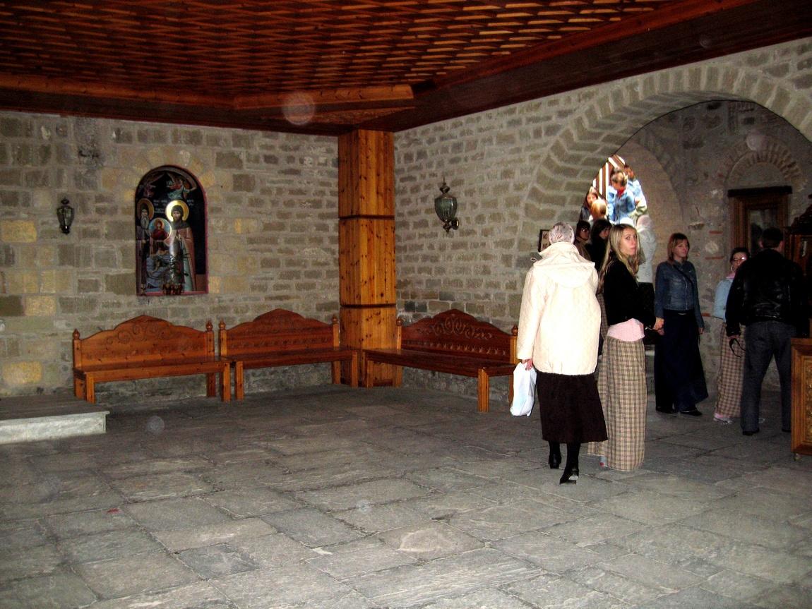 3 д,61 Внутри монастыря