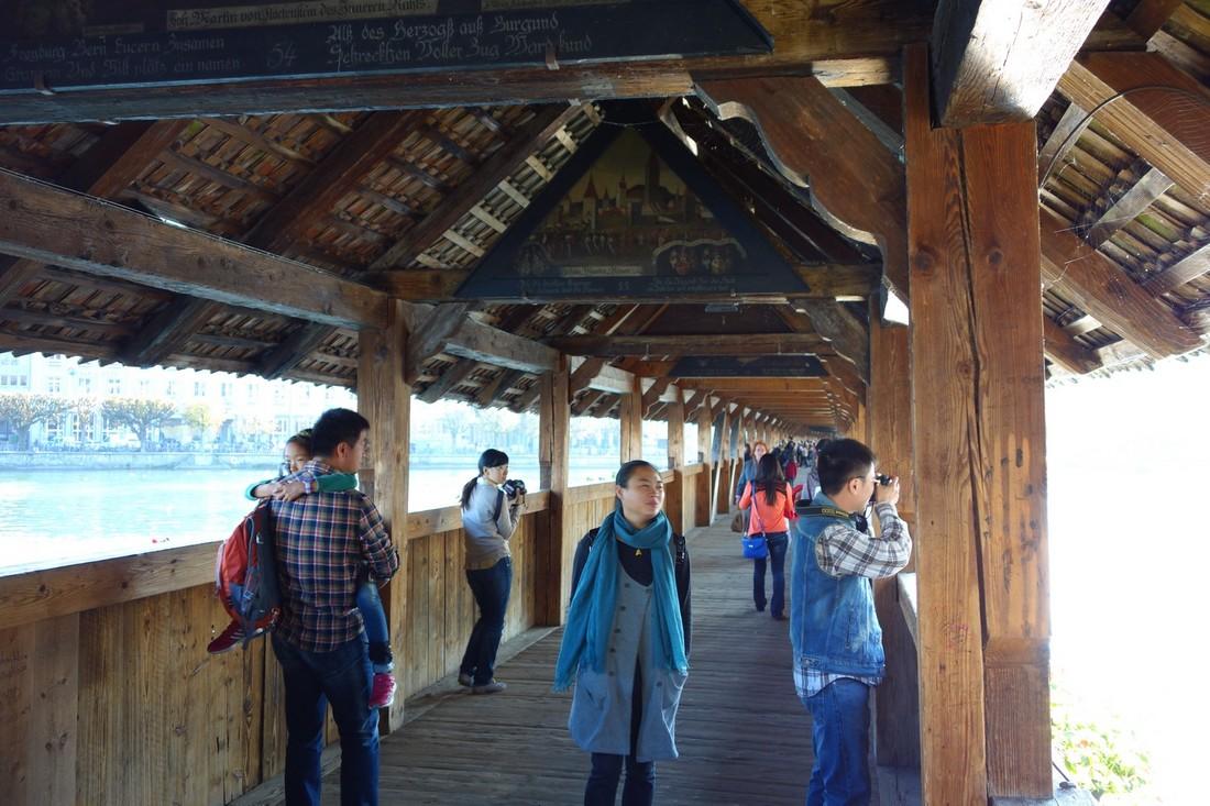 Деревянный мостик (Kapellbrucke)