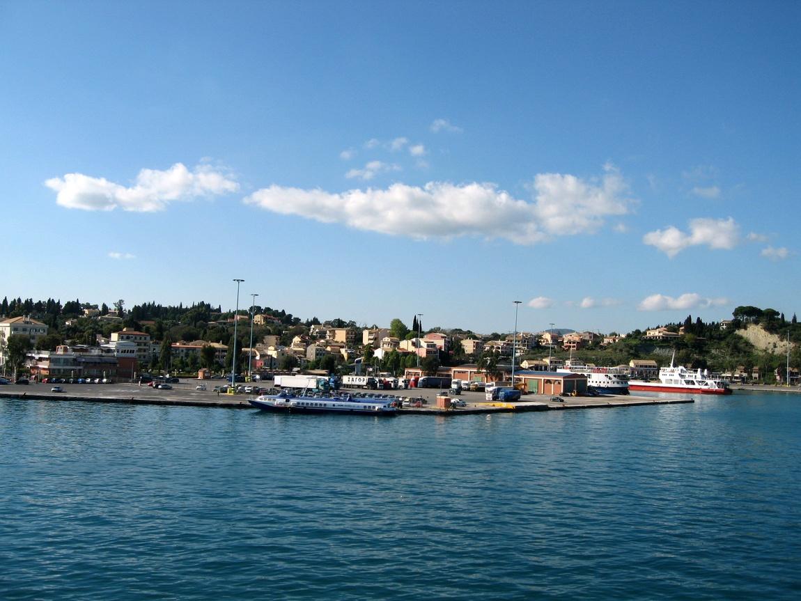 Вдоль побережья Корфу