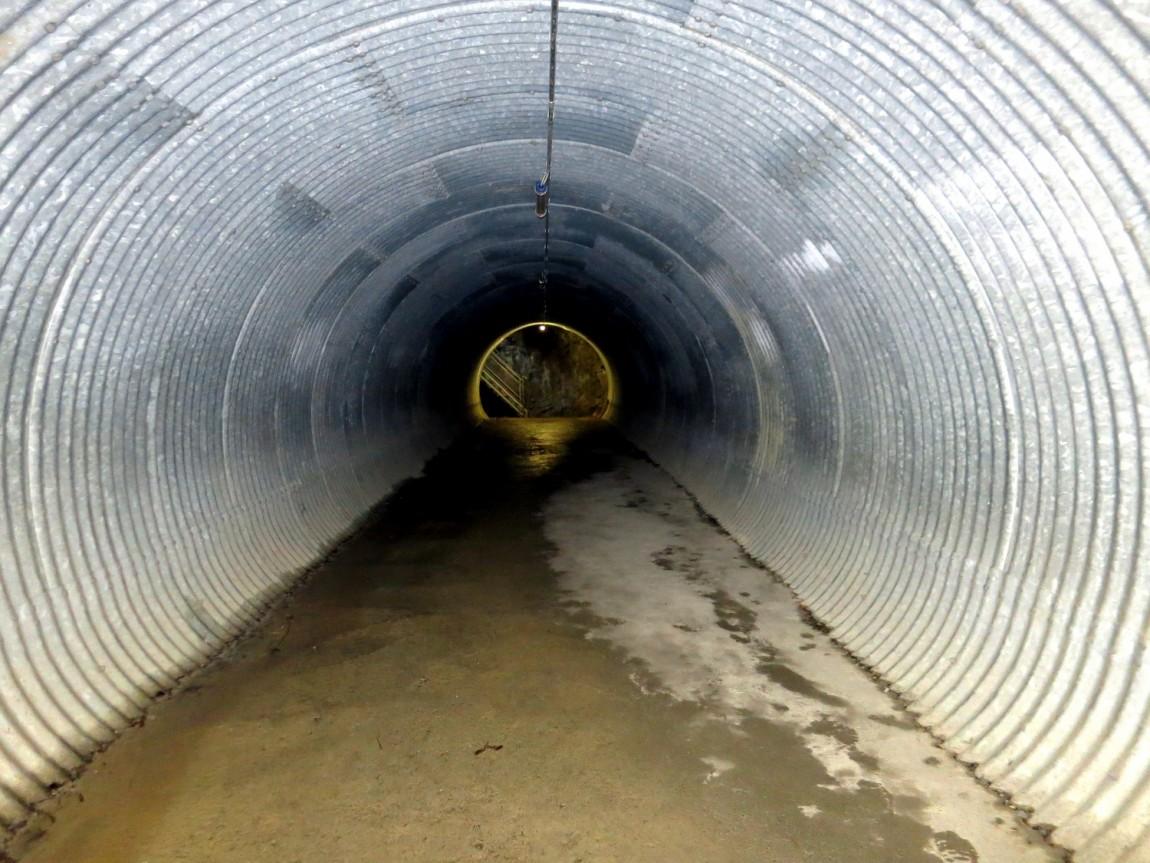 Тоннель к водопаду