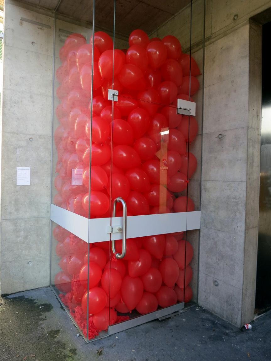 Витрина с шариками в Люцерне (Швейцария)