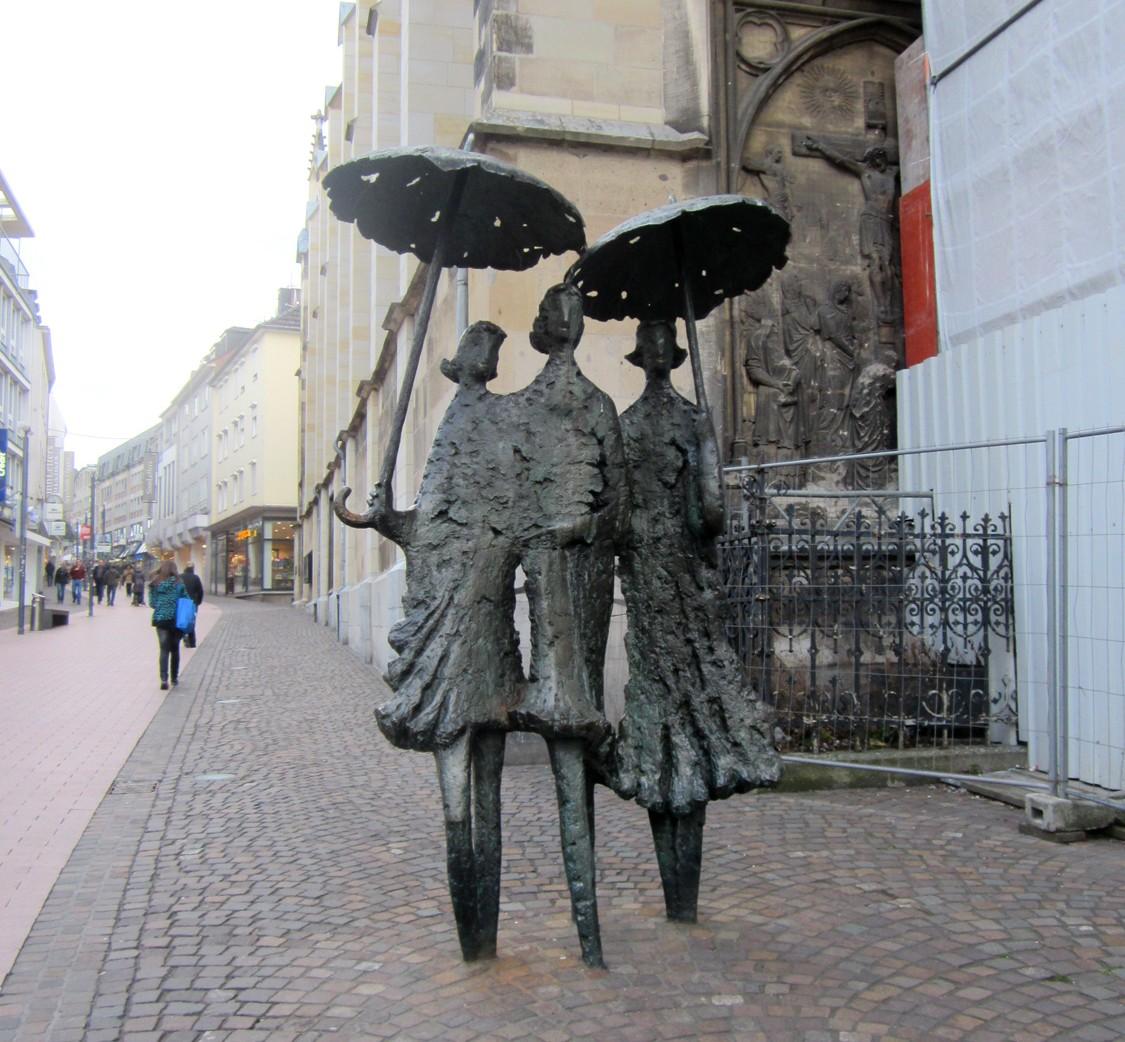 """""""Необычные прохожие"""" в городе Ахен (Германия)."""