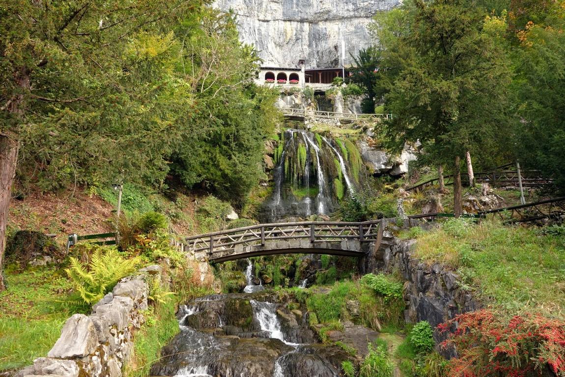Вход в пещеру Св. Беатуса, Швейцария