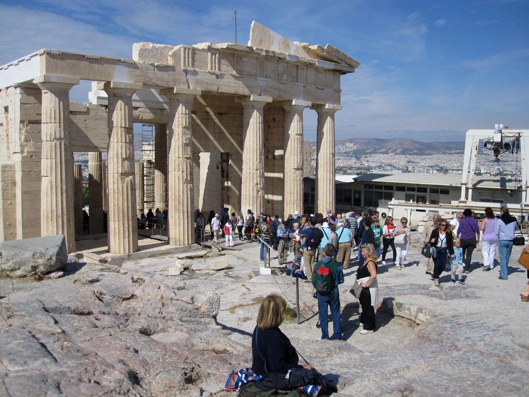 Главный храм Парфенон посвящён богине Афине