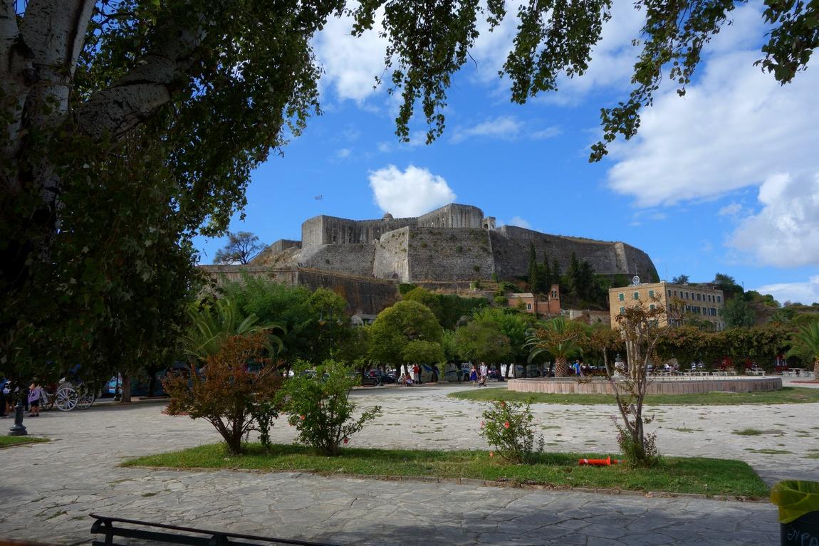 Старую крепость на Корфу