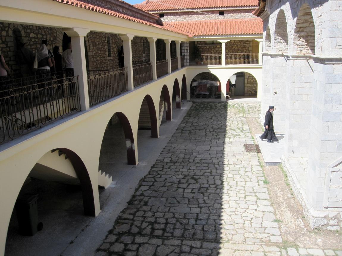 Монастырь Агия Лавра