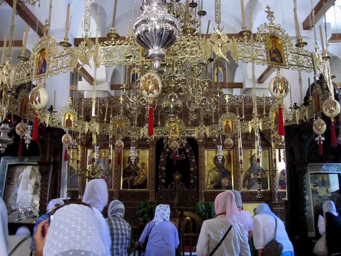 Монастырь Агия Лавра в Греции