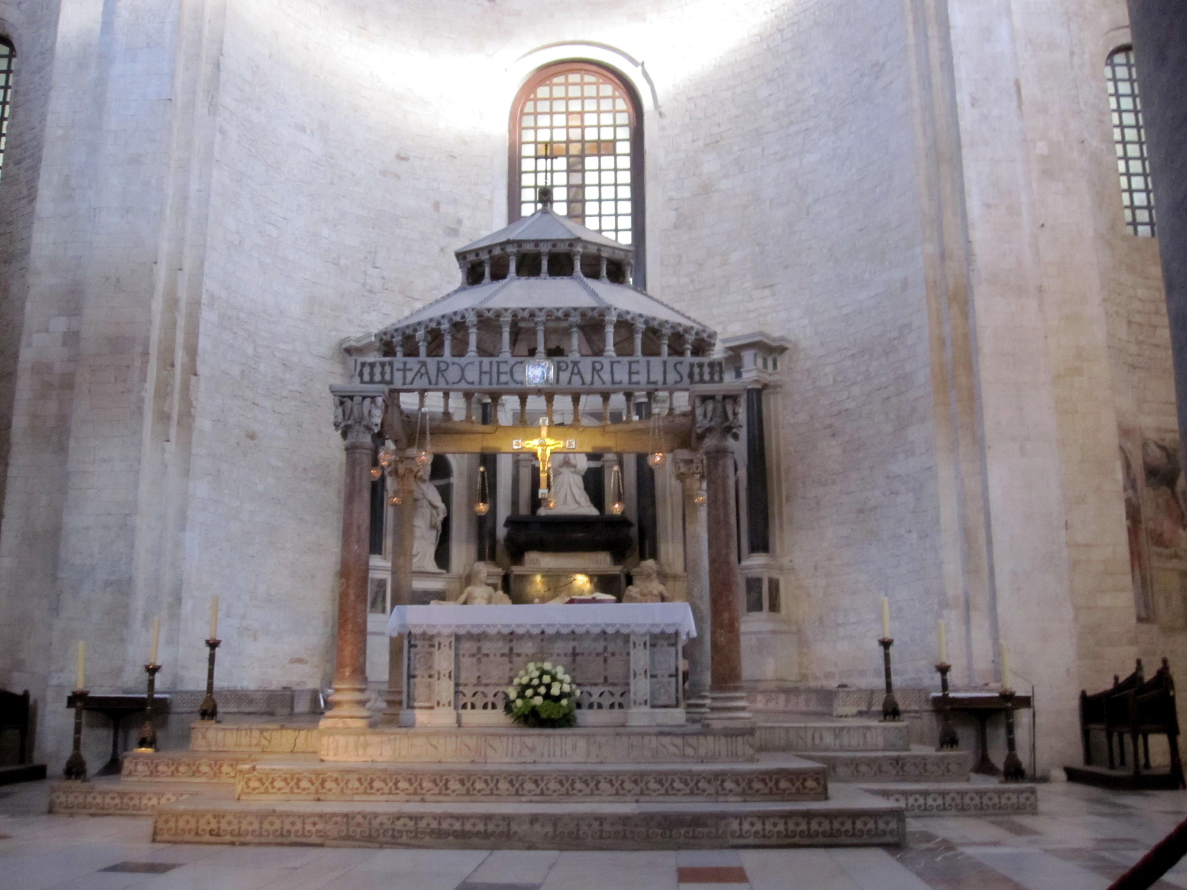 Храм Николая Чудотворца в Бари (Италия)