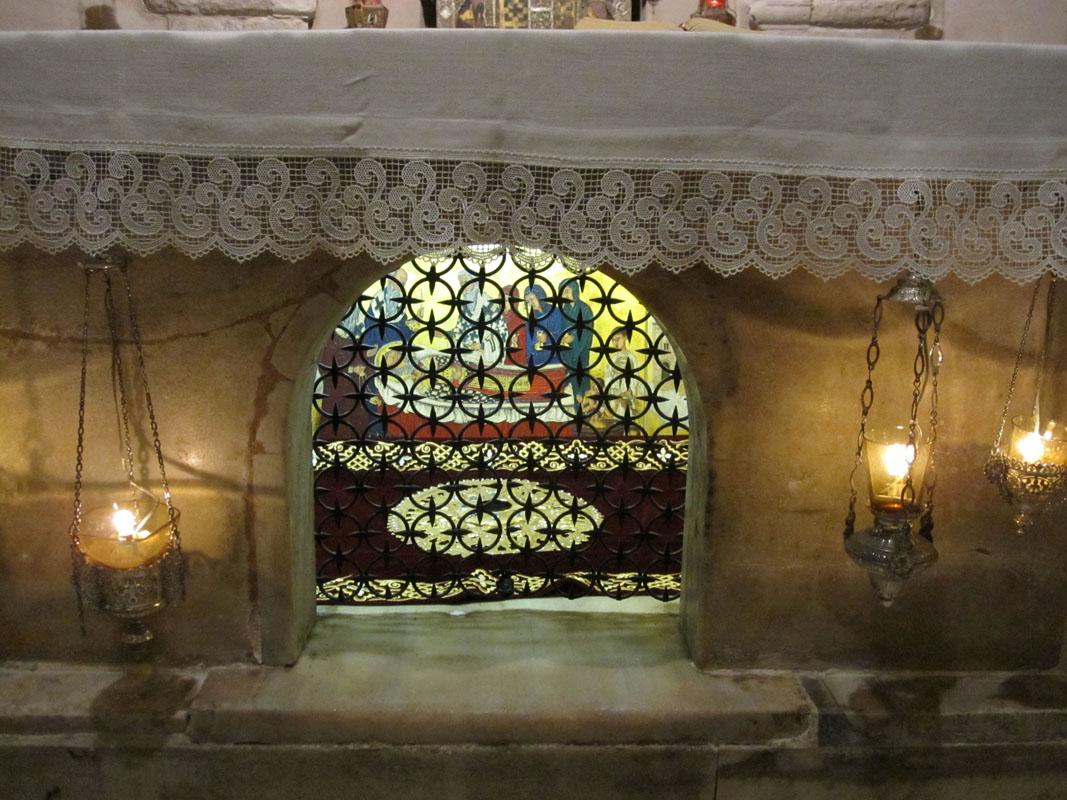 Храм Николая Чудотворца в Бари - мощи