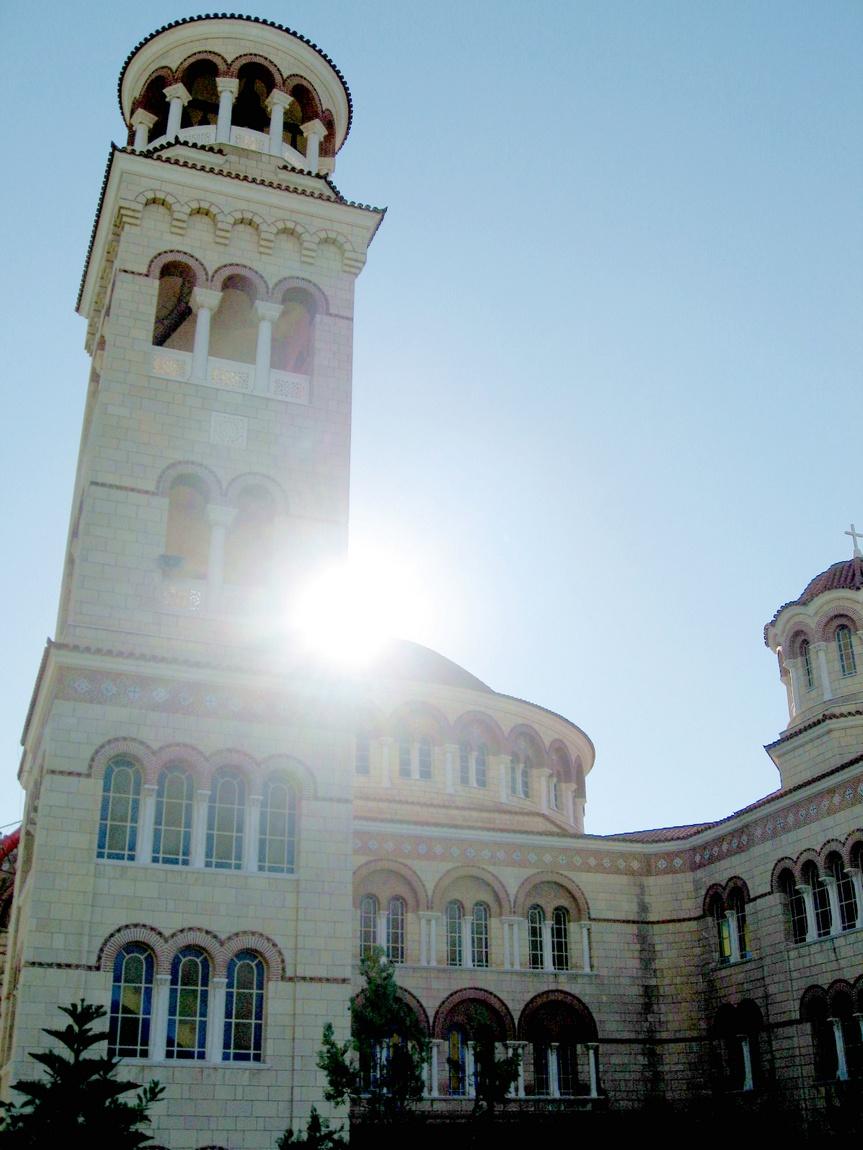 Луч солнца у храма - Греция