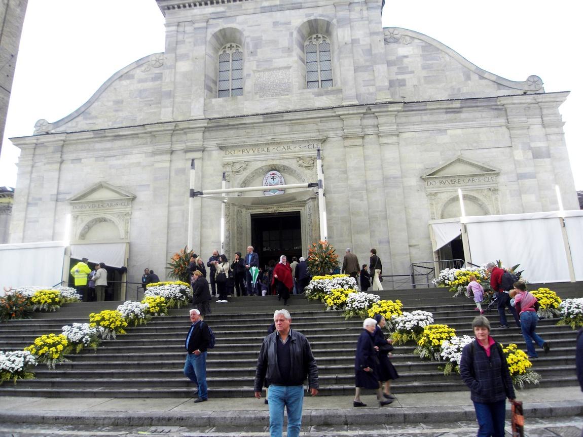 Храм в котором хранится Туринская плащаница, в Турине