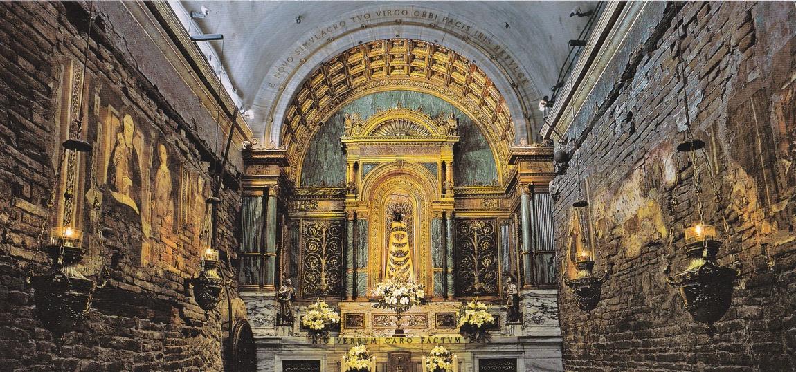 Святой Дом в храме Пресвятой Богородицы, Лоретто, Италия