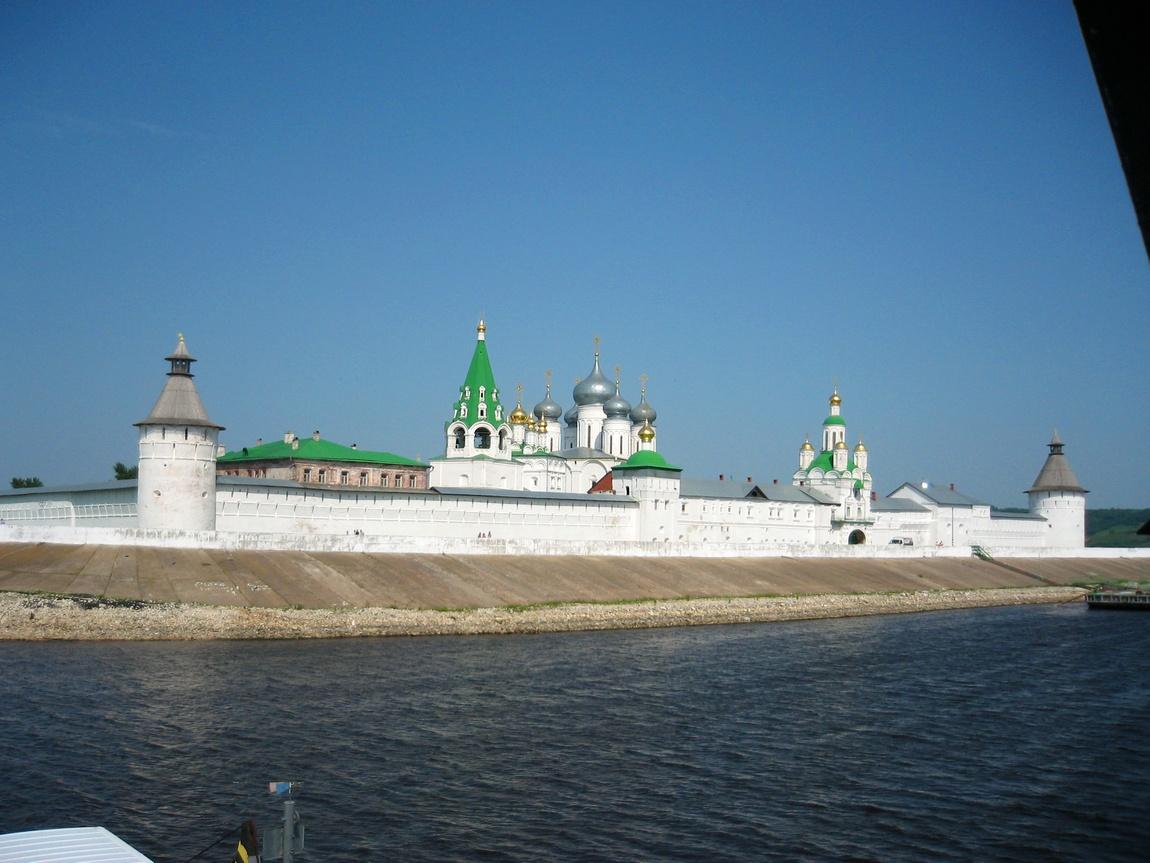 Свято-Троице-Макарьево-Желтоводский монасты́рь