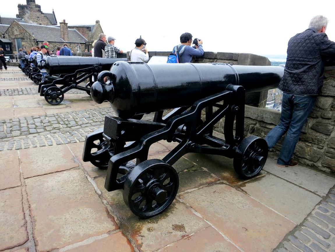 Пушки в Эдинбургском замке