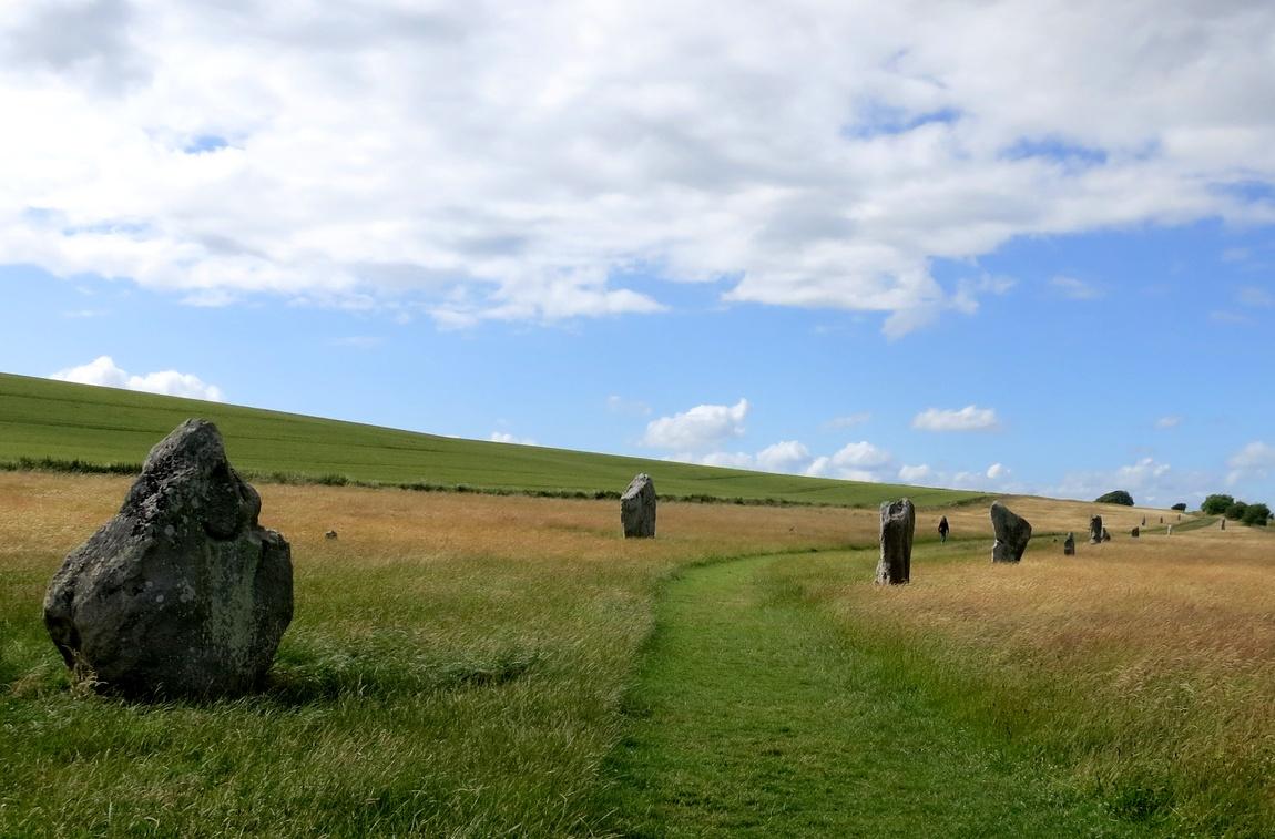 Аллея камней к Эйвбери, Англия