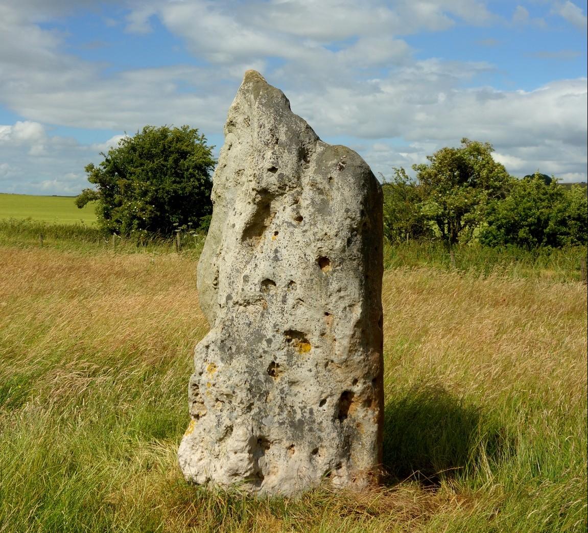 Мегалит в Эйвбери, Англия