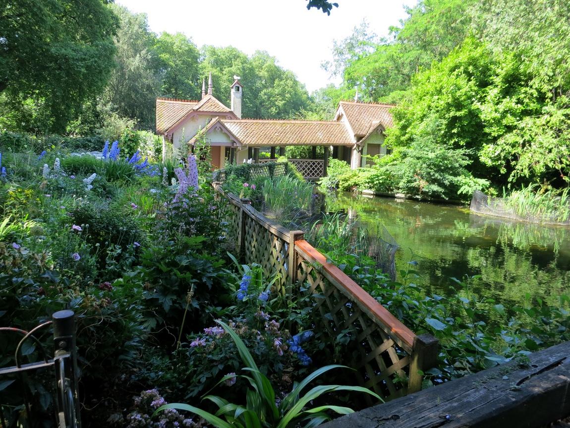 Домик на острове в парке Сент-Джеймс, Лондон