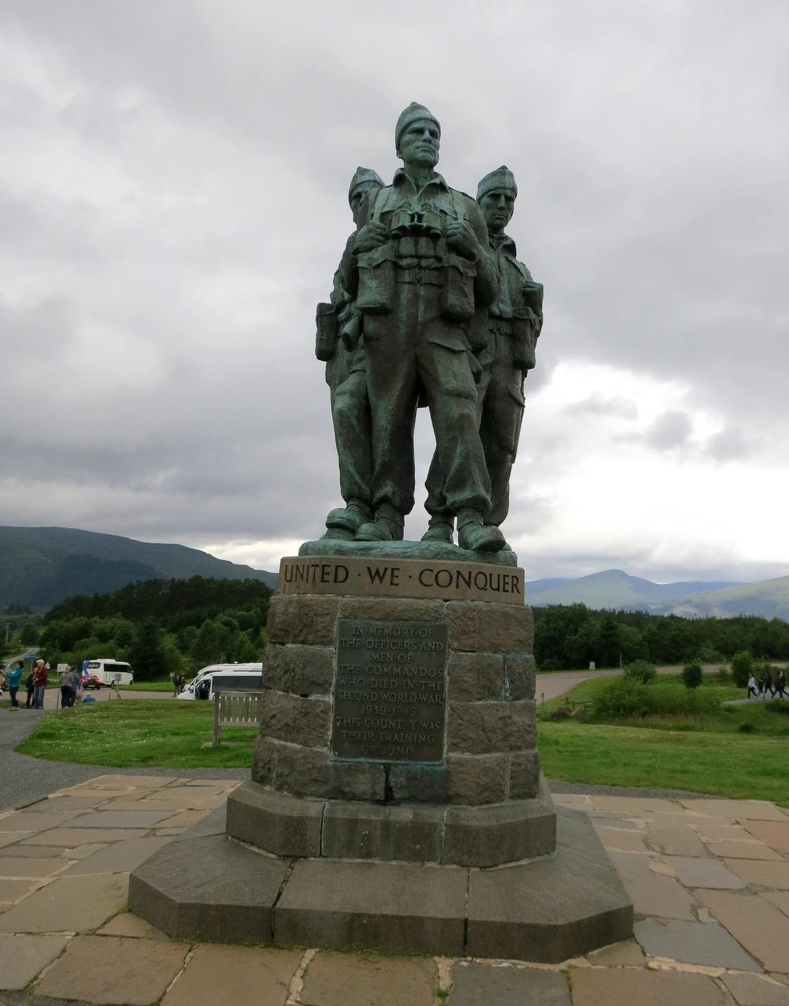 Монумент солдатам, погибшим во Второй Мировой войне, Шотландия