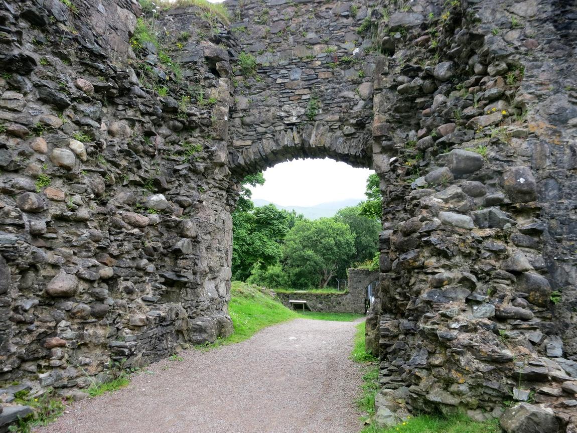 Руины замка Инверлохи