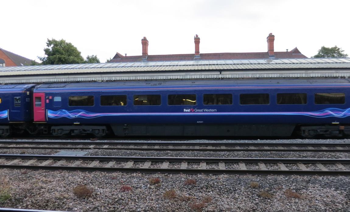 Скорый поезд в Шотландии
