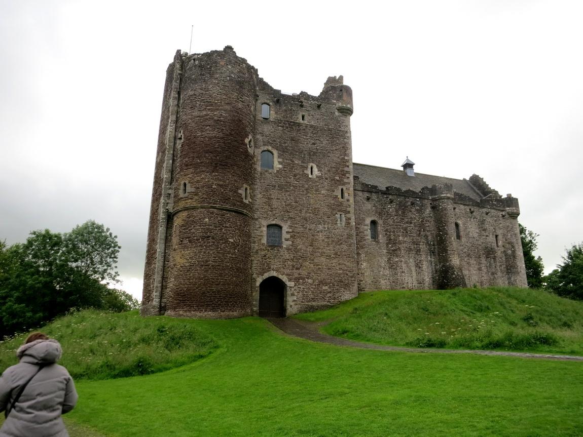 Замок Дун Касл в Шотландии